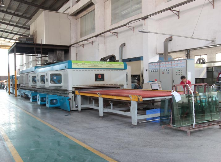 tempered gllass production line flat tempering machine front