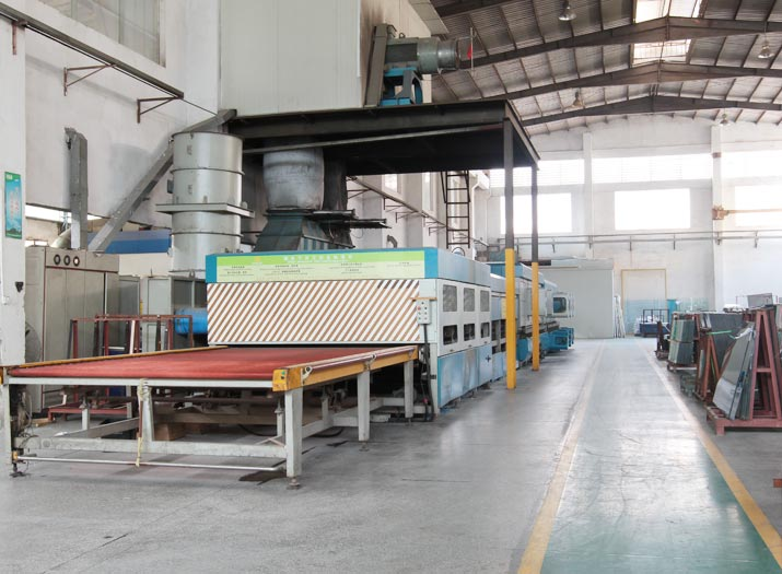 Tempered Glass Production Line Flat Tempering Machine Behind