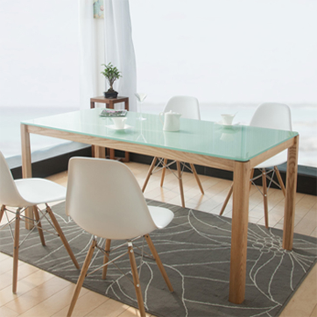 White Silkscreen Printing Tempered Glass Dinning Table